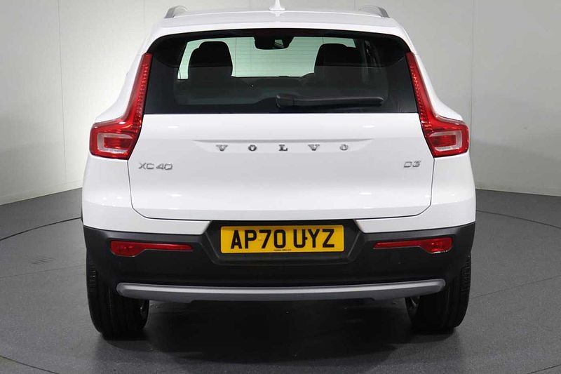 Volvo XC40 D3 FWD Momentum (Heated Seats, Heated Windscreen, Heated Steering Wheel)